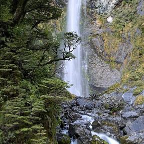 Devil's Punchbowl falls from NZ.