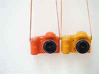 Is the future of beginner photography a bright orange camera with no buttons?