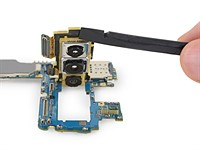 Repair site ifixit gives us a closer look at the Samsung Galaxy S10 cameras