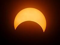 佳能希望让您为今年的太阳日食准备好
