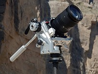 Hitch Hiker balanced-motion tripod head boasts smooth, uniform rotations
