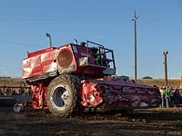 照片:这是农业机械投入战斗时的样子