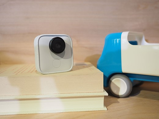 Google Clips is an AI-enabled hands-free camera that costs $250 1