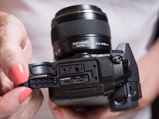 Hands-on with the Panasonic Lumix DMC-G85 7