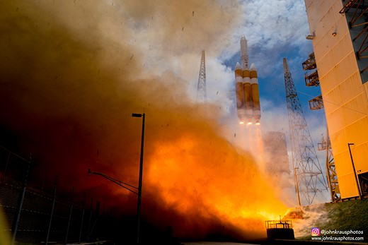 Looking up: Sixteen-year-old John Kraus is a rocket launch photographer 2