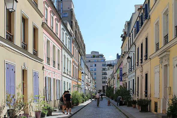 Photogenic Paris street seeks to ban Instagrammers certain times of the week 1
