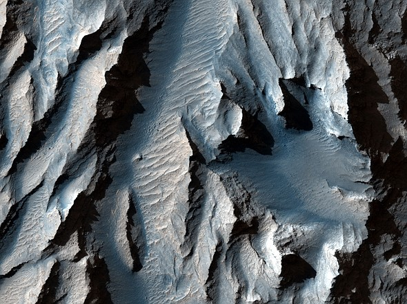 NASA's HiRISE orbital camera captures enlightening close-up shots of Martian surface