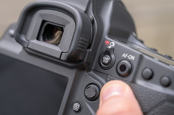 Canon says firmware fix for lockup issue is coming in 'early April,' offers workaround in the meantime