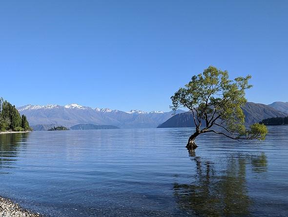 Tourists are destroying New Zealand's iconic Lake Wanaka ...