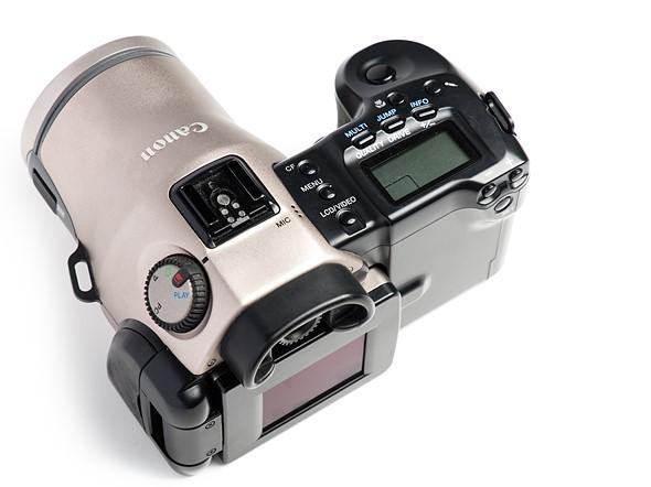 Throwback Thursday: Canon PowerShot Pro70 5