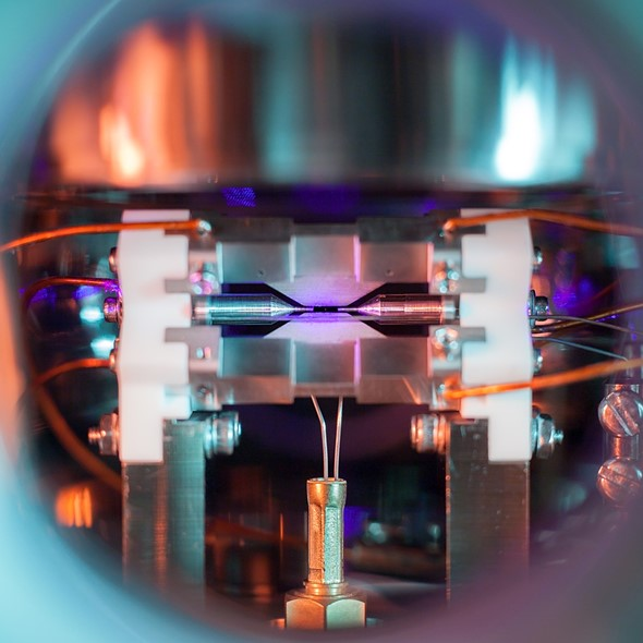 Science photography award goes to image of a single trapped atom