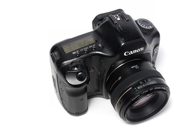 Throwback Thursday: Canon EOS 5D 2