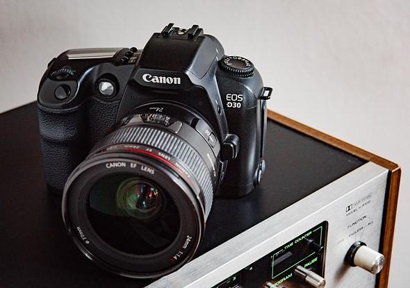 Throwback Thursday: Canon EOS D30 2
