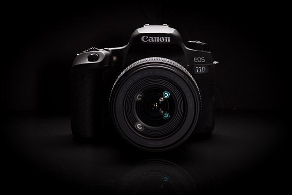 The canon eos 77d 9000d in japan is a lightweight 24mp aps c dslr that offers impressive dual pixel autofocus good external controls and wifi and