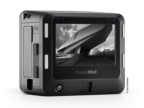 Phase One Announces The Worlds First 100MP Achromatic Digital Back