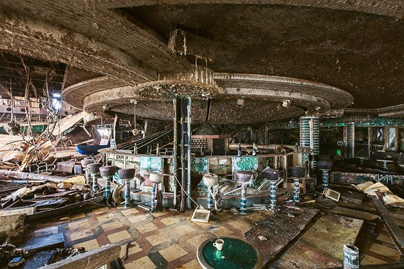Haunting photos from inside the wrecked cruise ship Costa Concordia 8