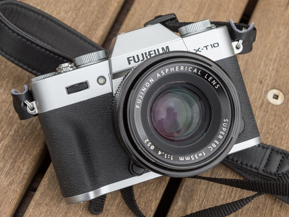Palm-sized: Hands-on with new Fujifilm X-T10