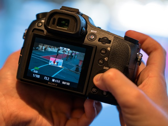 Hands-on with Sony Cyber-shot DSC-RX10 III
