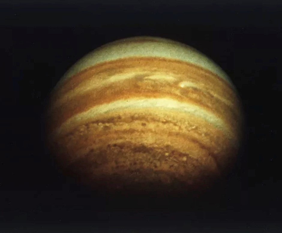 Hobbyist astronomer discovers new Jupiter moon 18 years after the photos were taken.