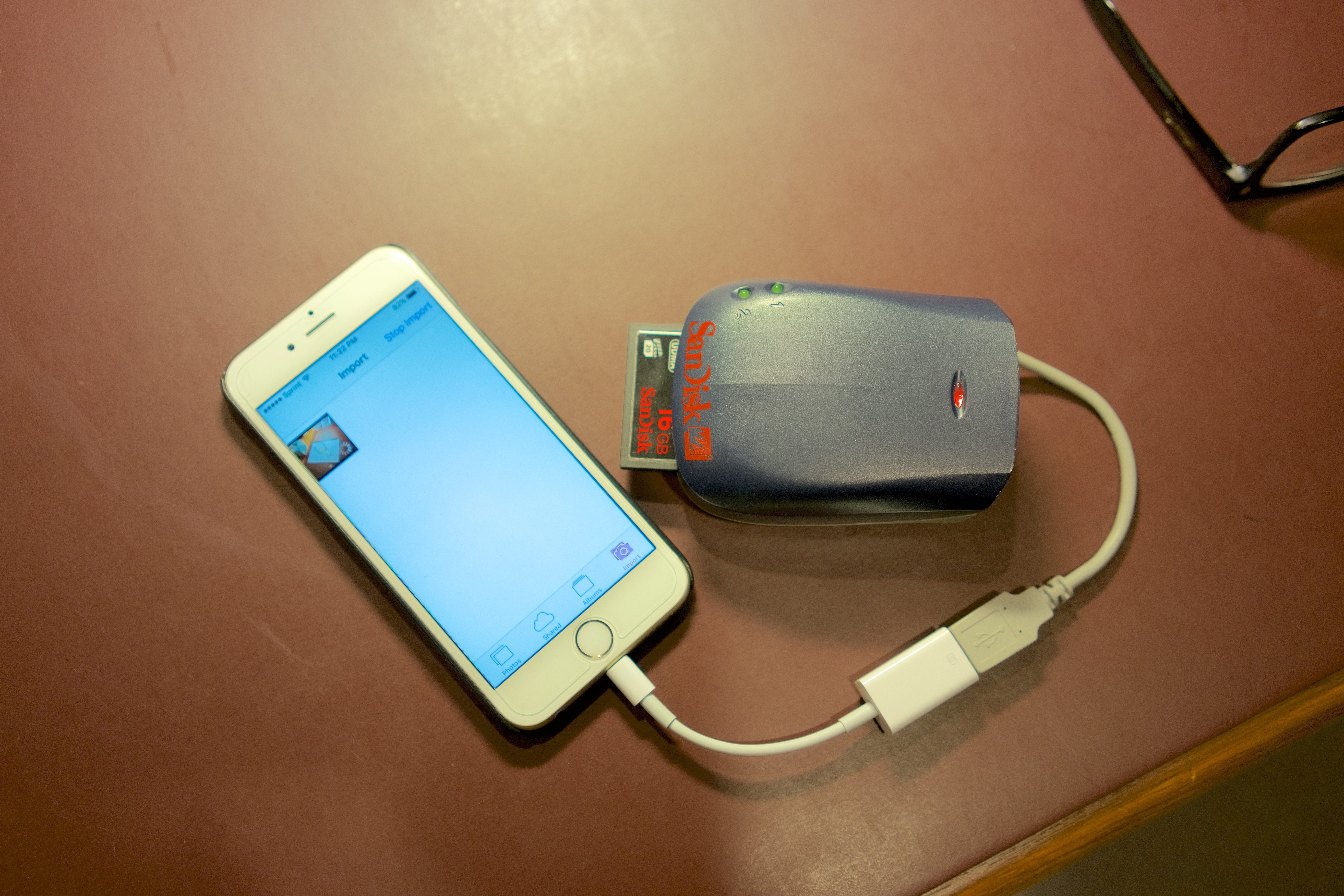 View original size & Lightning to usb adaptor. Will cf card reader work? iphone ios9.2 ...