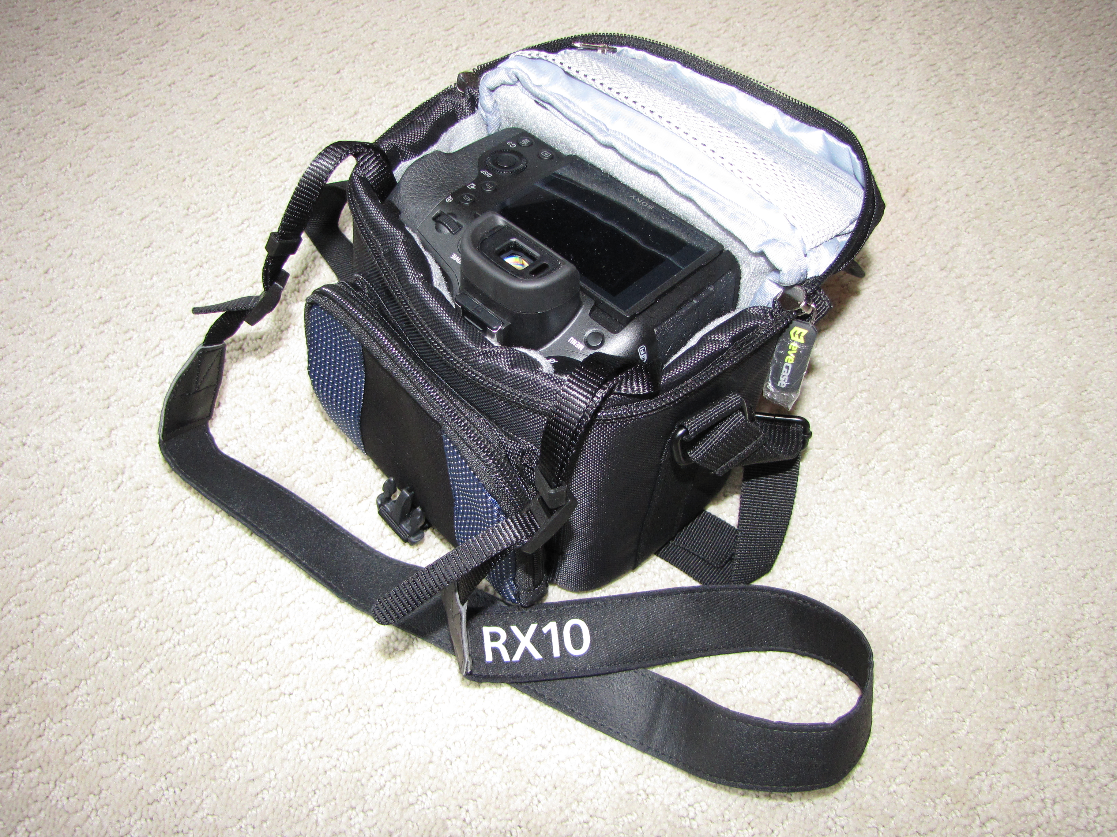 Best Compact Travel Case For Sony Rx10 Iv Cyber Shot Talk Lowepro Toploader Zoom 45 Aw Ii Black View Original Size