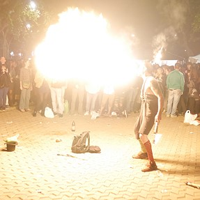 How do you shoot fire eaters