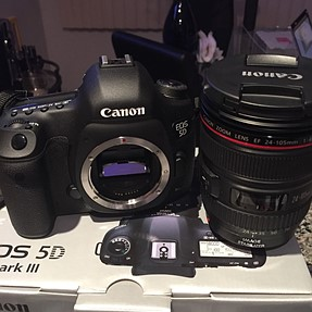 CANON 5D Mark iii body & 24-105mm f/4.0 IS USM L Lens Has 10450 Shutter Count