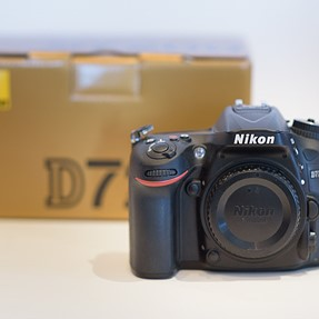 FS: Nikon D7200 nearly new