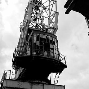 Redundant crane