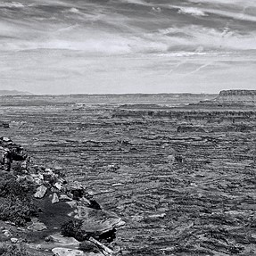 Canyon Lands in B&W