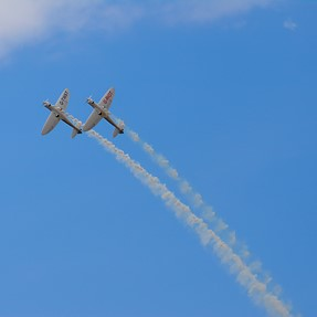 Riot and twist, airshow, xt100