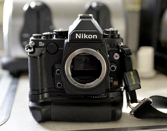Nikon Df with *NEW* vertical grip: Nikon FX SLR (DF, D1-D5 ...