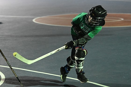 Z6 does nighttime dek hockey: Nikon Z Mirrorless Talk Forum