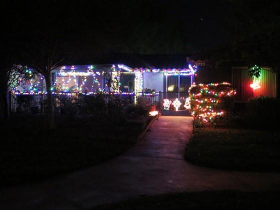 Taking photos of outside Christmas lights - Taking Photos Of Outside Christmas Lights: Canon PowerShot Talk
