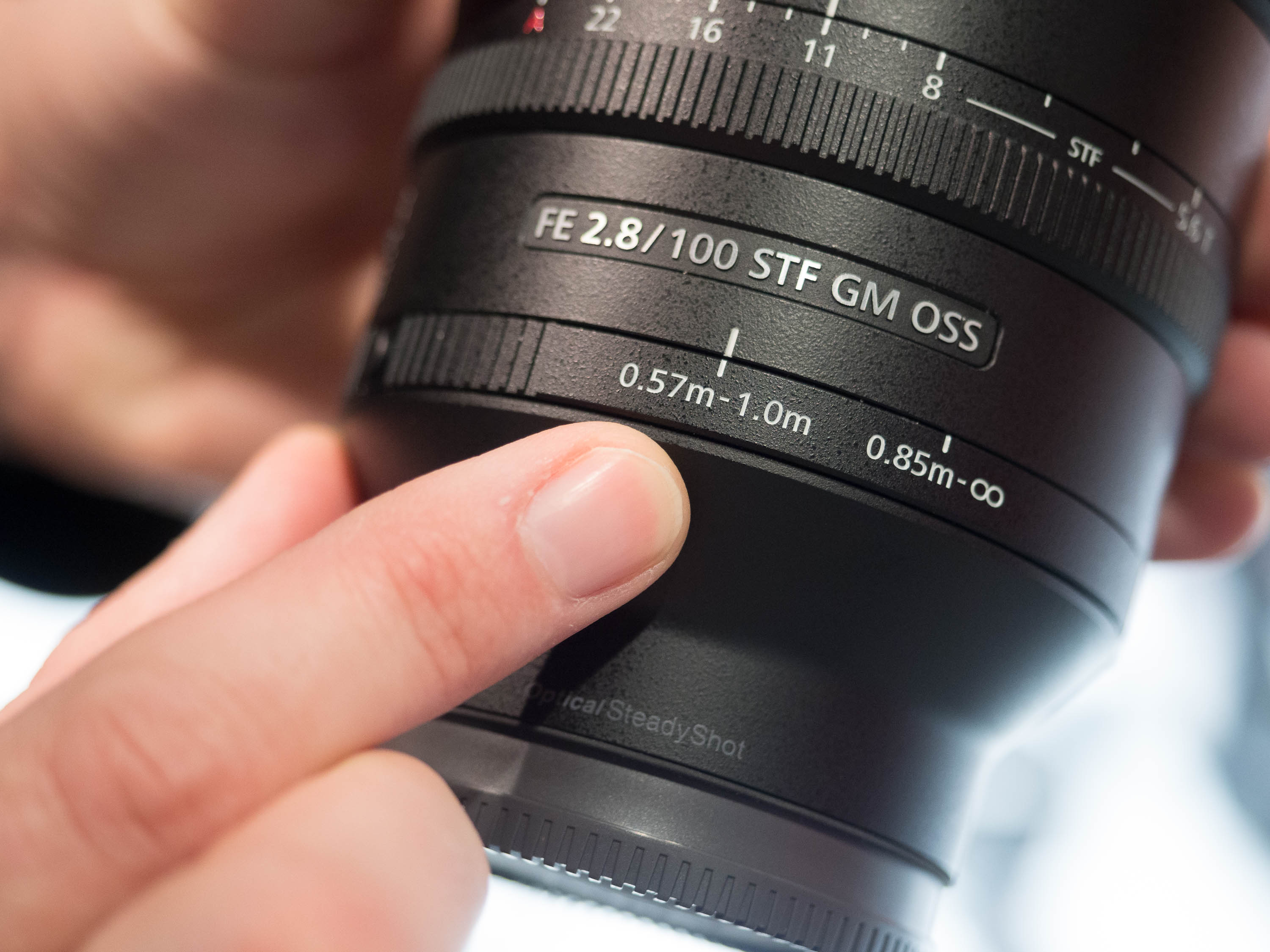 Hands On With Sony 100mm F28 Stf G Master And Fe 85mm F18 Lenses 400mm Gm Oss Lens Digital Photography Review